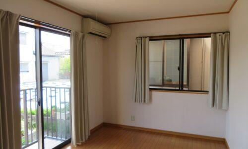 バルコニー側洋室(寝室)